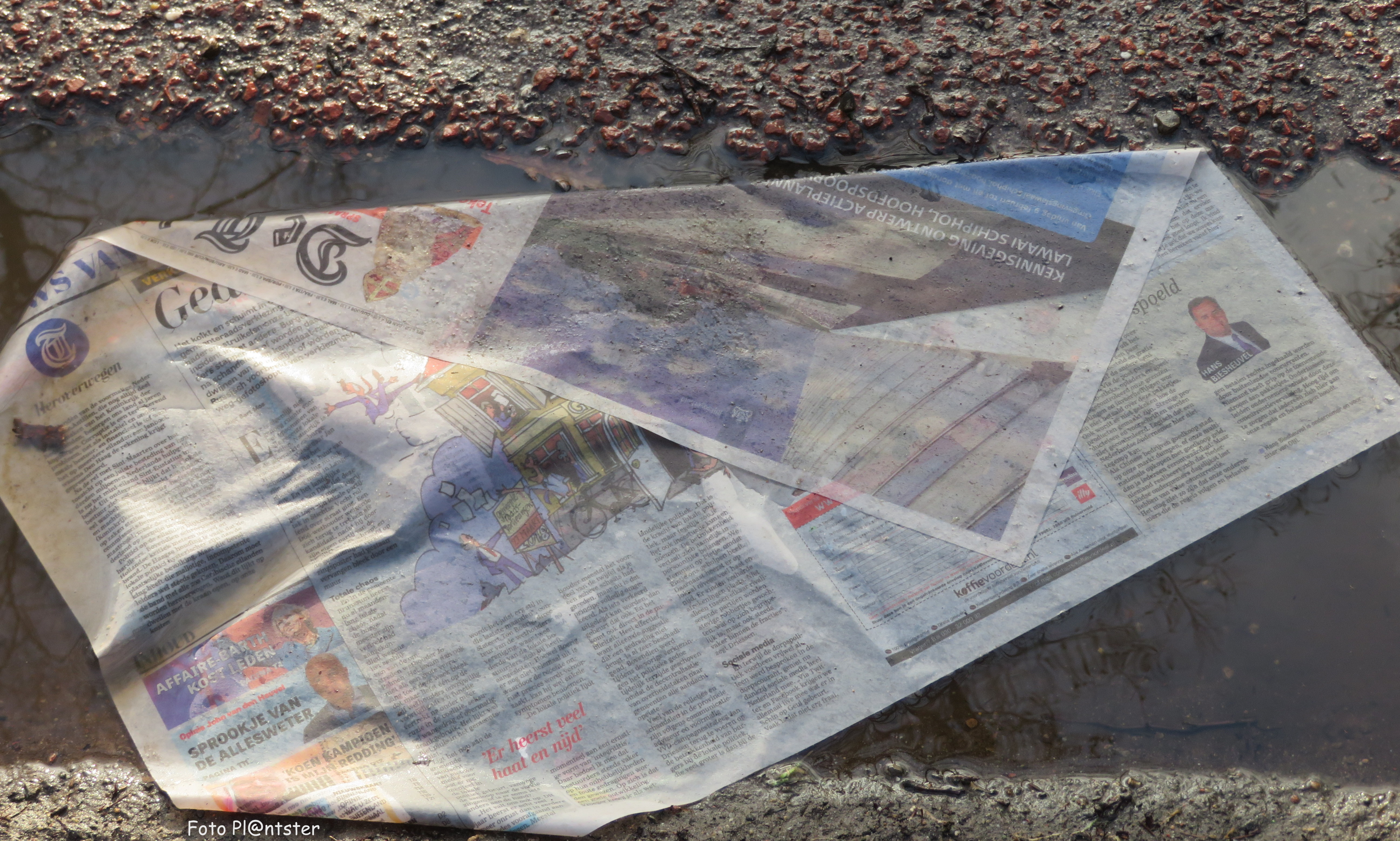 img_5922-kopie De krant op straat