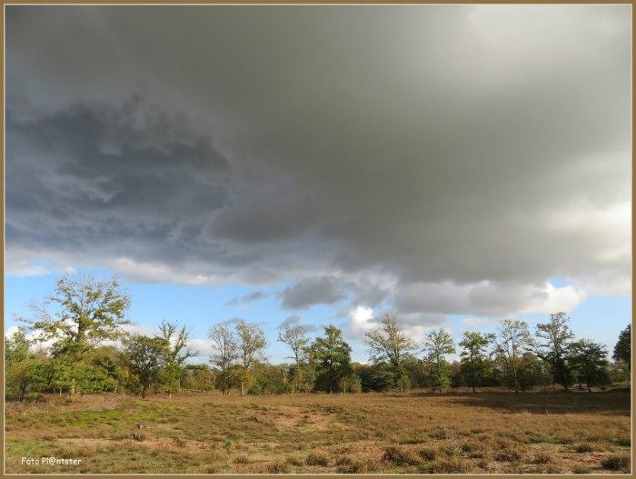 IMG_1108  Dreigende wolken.jpg