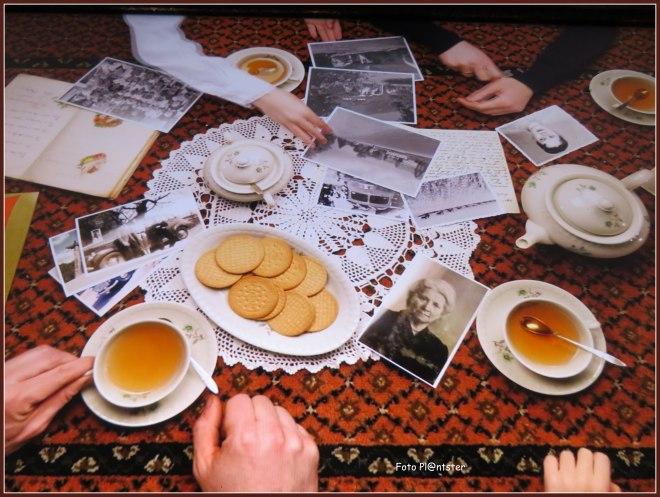IMG_6562 samen om de  tafel.jpg