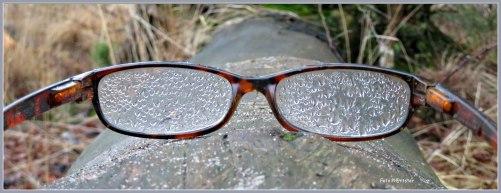 Bril buiten gelegen en zoals ik er tegen aan keek ,ook in de regen.