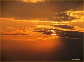 Het licht van de zon , in het vroege van de betreffende avond
