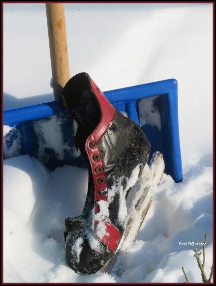 """""""Oude schaats bij sneeuwschuiver """""""