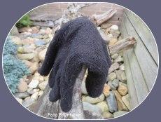 Het hangt er van af of je als eigenaar het ook ziet hangen. Herkennen en ook met terugvinden een geluk, hierbij de handschoen die past.