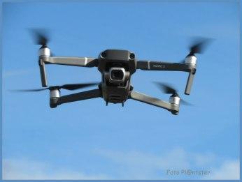 'Drone' Je kunt ervoor of er tegen zijn , ze worden gebruikt voor allerlei doeleinden